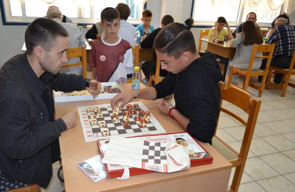 Мини-турнир по русским шахматам в Сербии